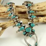 Natural Lone Mountain Turquoise Squash Blossom Necklace is very wearable! Beautiful natural turquoise and handmade by a Navajo artist! Turquoise Stone, Turquoise Jewelry, Turquoise Bracelet, Squash Blossom Necklace, American Indian Jewelry, Native American Art, Girls Best Friend, Mountain, Gems
