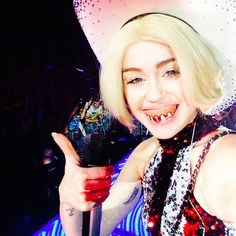 Oh No! Miley's House Got Burgled, Y'All! - http://www.outils-webmaster.eu/oh-no-mileys-house-got-burgled-yall/
