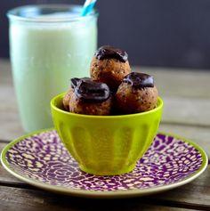 protein quinoa balls a super foods snack or breakfast #quinoa #almonds #chocolate