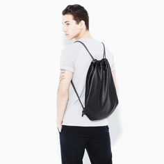 Henten Leather draestring bag in Black