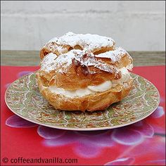 PTYSIE / PTYŚ – POLISH STEAMED DOUGH PASTRY FILLED WITH WHIPPED CREAM