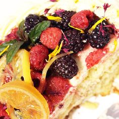 Gluten free lemon drizzle cake with all the fruits! www.monkeypoodle.co.uk