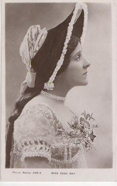 Postcard Actresses Edna May