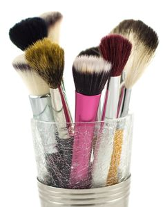 Top 10 Makeup Brushes Every Girl Should Own
