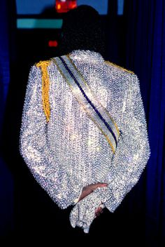 The back view of MJ AMAZING