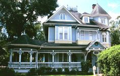This is literally my dream home, I think it's absolutely beautiful! I LOVE Victorian style homes. They are from a different time and they remind me so much of much simpler times.  oh, to my pinners who want a cool mac card: http://bit.ly/HPaVSq