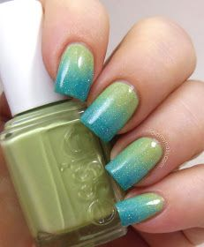 Blue to green gradient manicure