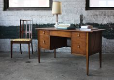 Elusive Mint Broyhill Brasilia Mid Century Modern Desk (U. Home Office, Office Desk, Support Columns, Mid Century Modern Desk, Working Area, Home Decor Inspiration, Corner Desk, Mid-century Modern, Furniture