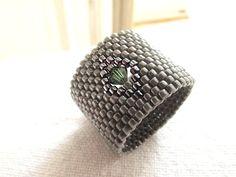 Bague anneau en tissage peyote impair : Bague par brin-de-perle