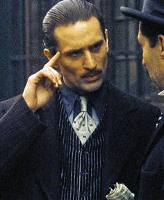 "Robert De NIro en ""El Padrino Parte II"" (The Godfather part II), 1974                                                                                                                                                                                 Más"