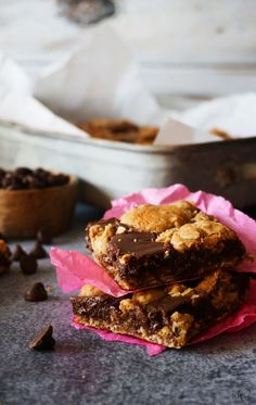 Chocolate revel bars are fudgy, chocolaty, oatmeal and everything good bars! Chocolate Cookie Bars, Chocolate Oatmeal, Chocolate Filling, Chocolate Lovers, Chocolate Desserts, Chocolate Chips, Brownie Recipes, Cookie Recipes, Dessert Recipes