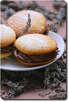 Whoopies au chocolat, lavande et parfum de citron