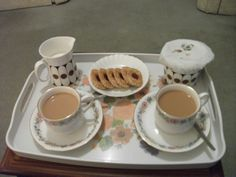 every pot of tea should include a couple of cookies!