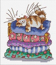 Cross Stitch Kitchen, Just Cross Stitch, Cross Stitch Animals, Cross Stitch Charts, Cat Cross Stitches, Cross Stitching, Cross Stitch Embroidery, Modern Cross Stitch Patterns, Cross Stitch Designs