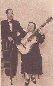 Matilde de los Santos, mujer guitarrista y el cantaor, el Aldeano.