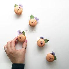 Simple details #macarons #nectarandstone