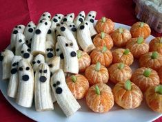 Banana Ghosts & Clementine Pumpkins! My healthy snack for the 2nd grade Halloween party!