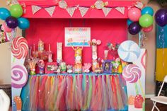 a candy-bar for a Candyland party. Candy Themed Party, Candy Land Theme, Lalaloopsy, Candyland, 1st Birthday Parties, Girl Birthday, Birthday Ideas, Cupcake Birthday, Fete Halloween
