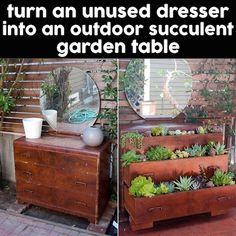 Creative Outdoor Ideas - outdoor garden ideas and DIY decorating tips. Garden Table, Garden Beds, Sunrooms And Decks, Prairie Garden, Cute Diy Projects, Funky Furniture, Diy Table, Succulents Garden, Shade Garden