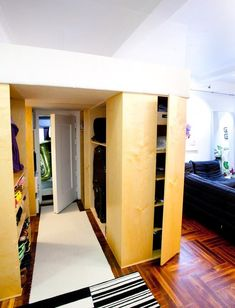How to make 380 sq. Note the king size loft bed/closet! with a closet beyond, and kitchen to the left Small Space Living, Tiny Living, Small Spaces, Loft Spaces, Garage Apartments, Small Apartments, Bed In Closet, Built In Cupboards, Make It Work