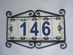 Placa de números para residencia, moldura em ferro artesanal com números em cerâmica, Esse valor é para números até 999 ANTES DE EFETUAR O PEDIDO FAVOR ENTRAR EM CONTATO PARA VERIFICAR A DISPONIBILIDADE DOS NÚMEROS DESEJADOS.