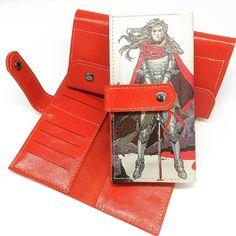 Красные кошельки (2000 р, натуральная кожа). #кожаспринтом #style #colorful #натуральнаякожа #ручнаяработа #handmade #leather #handcraft #принт #красныйкошелек #кошелек