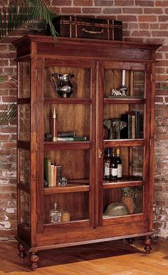 Mahogany Curio Cabinet: Glass Doors, Antique Style