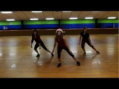 ▶ Zumba routine to Santa Claus is Coming to Town - YouTube