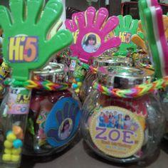 Hi-5 souvenirs/give-aways