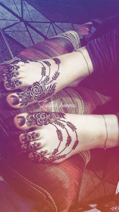 Leg Mehendi Design, Leg Henna Designs, Rose Mehndi Designs, Leg Mehndi, Henna Tattoo Designs Simple, Latest Bridal Mehndi Designs, Foot Henna, Mehndi Designs For Beginners, Unique Mehndi Designs