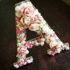 I personally adore this one ! Flower Letters, Diy Letters, Wooden Letters, Fun Crafts, Diy And Crafts, Arts And Crafts, Diy Flowers, Paper Flowers, Stylish Alphabets