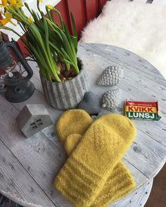 Knitting Machine, Winter Hats, Gloves