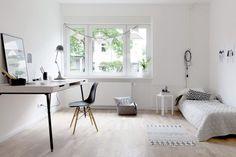 Workspace | Minimal Desks - Simple workspaces, interior design