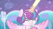 Flurry Heart shooting beams of magic S6E1.png (807 KB)