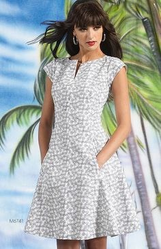 Beautiful easy dress to make can be made in several different ways plus sizes and regular sizes, length varieties LOVE THESE IT