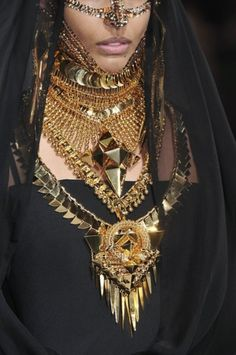 Givenchy Haute Couture @Hannah Sussams stunning statements