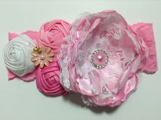 Tiara con flores  de tela de razo y listón barrotado VIDEO No. 302