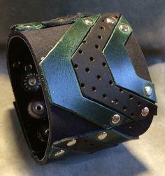 Joxasa leather cuff