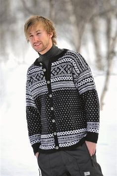 Tema Modell 34 Setesdal (as a sweater with trad splashes of red? Sweater Jacket, Men Sweater, Norwegian Knitting, Icelandic Sweaters, Fair Isle Knitting, Vintage Knitting, Knitting Designs, Sweater Fashion, Knitwear