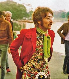 John Lennon in the I had my first experience with music with the Beatles at Maple Leaf Gardens in Toronto in 1963 at the tender age of Psychedelic Fashion, Psychedelic Rock, Psychedelic Pattern, Woodstock, Ying Gao, Raul Diaz, 70s Fashion, Vintage Fashion, Star Fashion