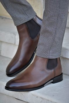 Brown Oxfords Outfit, Brown Chelsea Boots Outfit, Leather Chelsea Boots, Brown Leather Boots, Calf Leather, Leather Shoes, Mens Boots Fashion, Men Fashion, Hype Shoes