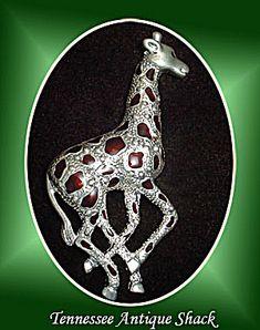 Giraffe Brooch Pin