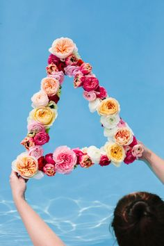 love this floating flower wreath!