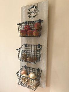 Kitchen Organizer / Fruit and Veggie Organizer / Kitchen Baskets / Farmer's Market Sign / Fruit and Vegetable Baskets / Farmhouse Decor Kitchen Baskets, Wire Baskets, Diy Kitchen, Kitchen Decor, Kitchen Ideas, Awesome Kitchen, Kitchen Inspiration, Kitchen Counters, Kitchen Islands