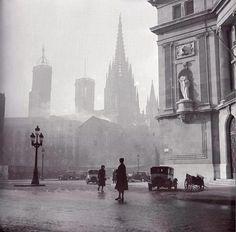 Vía Laietana, Barcelona. 1940s. Photographer: Francesc Català Roca