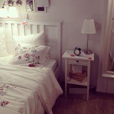 Ikea schlafzimmer hemnes  15 Ikea Bedroom Design Ideas You Love To Copy   HEMNES, Bedrooms ...