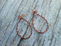 Homemade brassy metal hoop earrings / boho bohemian style by Liesbeth Visscher JHFWBeadsAndFindings