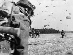 Paras of the British Airborne Division drop into an open field during the early hours of Operation Market-Garden, the Allied attempt to seize key bridges in the Netherlands and strike into the Ruhr, the industrial heart of Germany. American Civil War, American History, Operation Market Garden, Parachute Regiment, British Soldier, British Army, War Film, Film Inspiration, Paratrooper
