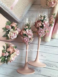 Свадебные бокалы - купить или заказать в интернет-магазине на Ярмарке Мастеров - FILKFRU. Санкт-Петербург | Набор аксессуаров в пудрово-розовом цвете.  …