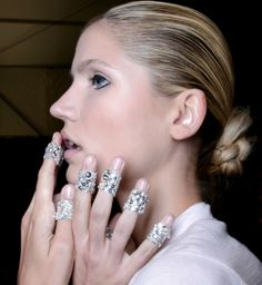 Manicure: trendy wiosna-lato 2014, Chado Ralph Rucci, fot. Imaxtree